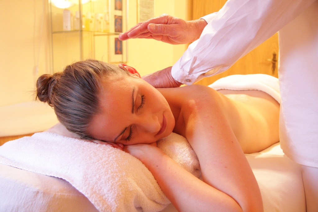 Therapeutic Massage | Northeast St. Petersburg | Reza Chiropractic